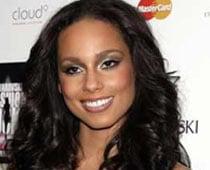 Alicia Keys gives birth to baby boy