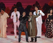 Bollywood touch lends glitz to CWG closure