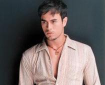 Enrique Iglesias likes going nude