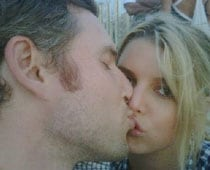 Jessica Simpson to beat ex-husband to the altar