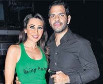 Sanjay, Karisma marriage on the rocks again