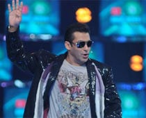Salman's daily ferry rides for shoot