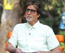 In bid to save tigers, Amitabh auctions sunglasses to son