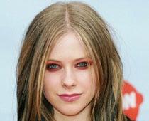 Tomboy Avril Lavigne goes sophisticated