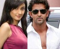 Ragini Khanna Matches Steps With Hrithik Roshan