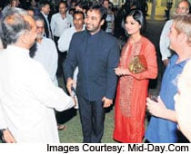 Shilpa, Raj Party With The Politicians