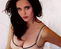 "Eva Green Sometimes Feels Like A ""Porn Actress"""