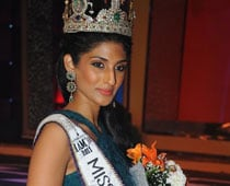 No B'wood plans as yet for Miss Universe India 2011Winner Vasuki