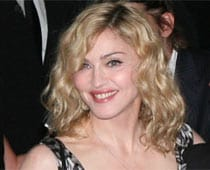 Flower gift by fan fails to impress Madonna