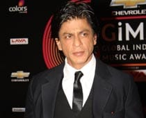 SRK itching to do a romantic film