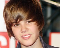 Bieber denies fathering child with fan