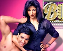 Chitrangada almost groped by fans