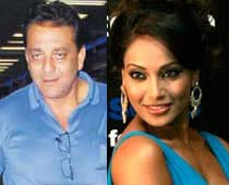 Sanjay Dutt, Bipasha to star in Hindi remake of Bengali film
