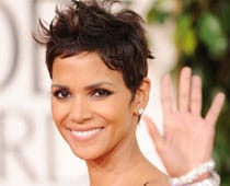 Halle Berry missed Oscar ceremony due to injured leg