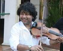 Kailash Kher to perform at world Sufi fest