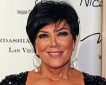 Pregnant Kris Jenner posts naked picture
