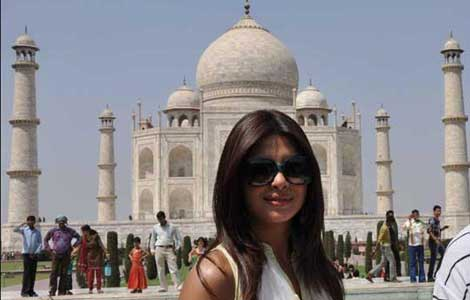 Priyanka Chopra campaigns for clean Yamuna