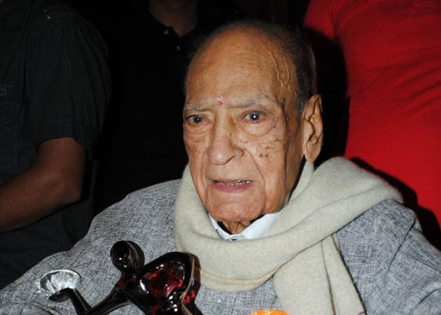 A.K Hangal back in action at 97, says age no bar