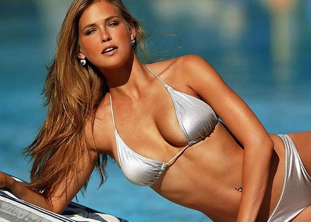 Men never flirt with me, says Bar Refaeli