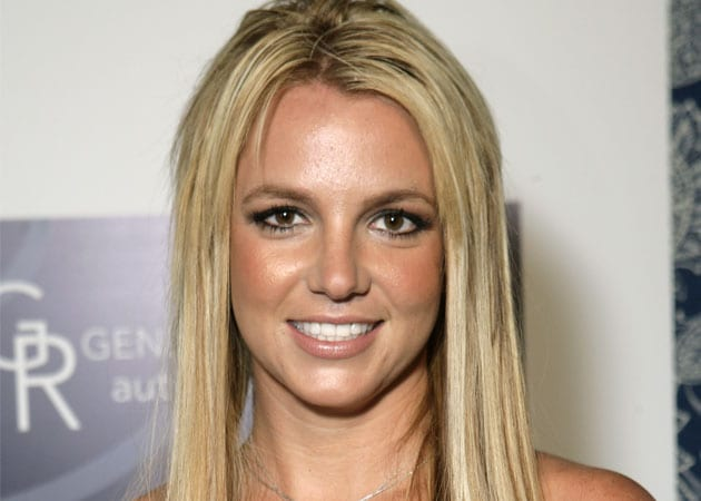 Britney Spears' <i>X Factor</i> rider includes 34 Herve Leger dresses and 12 Snickers bars