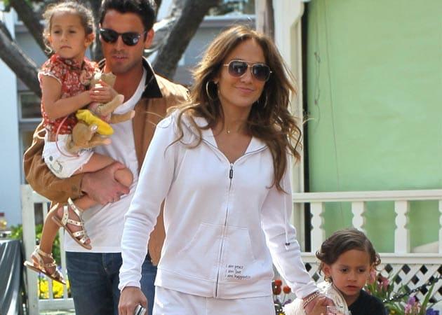 Jennifer Lopez Taking Her Children On Tour