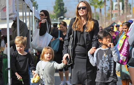 Angelina Jolie's children bond with Russell Crowe