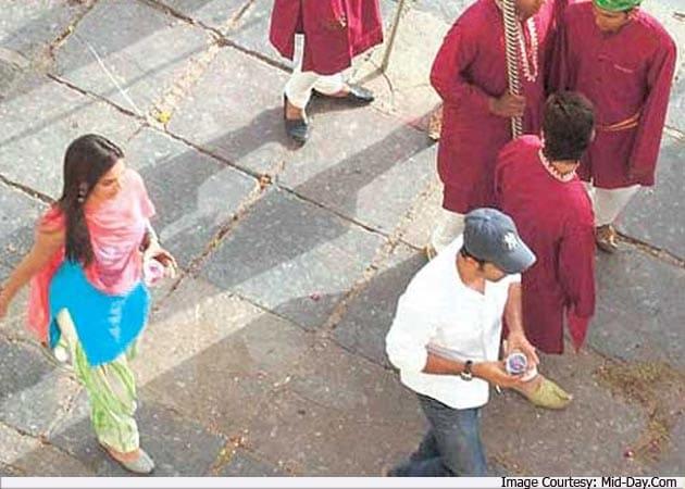 Flirt alert: Ranbir, Deepika re-kindle romance on the sets of <i>Yeh Jawani Hai Deewani</i>?