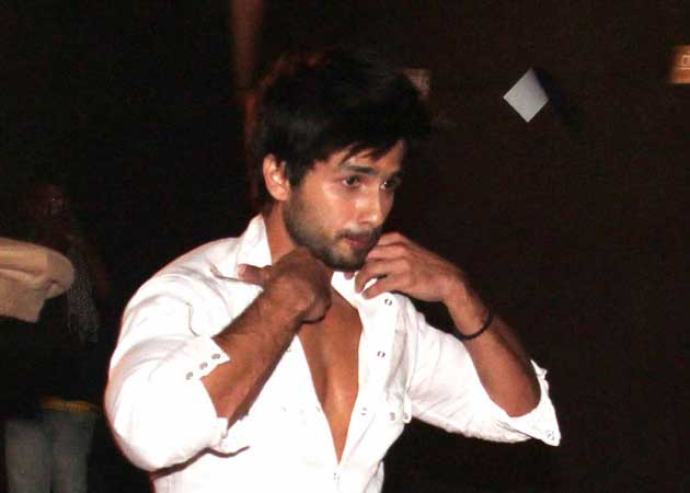 Shahid replaces Boman, Riteish as IIFA host?