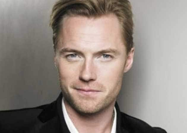 Fan pokes fun at Ronan Keating's height
