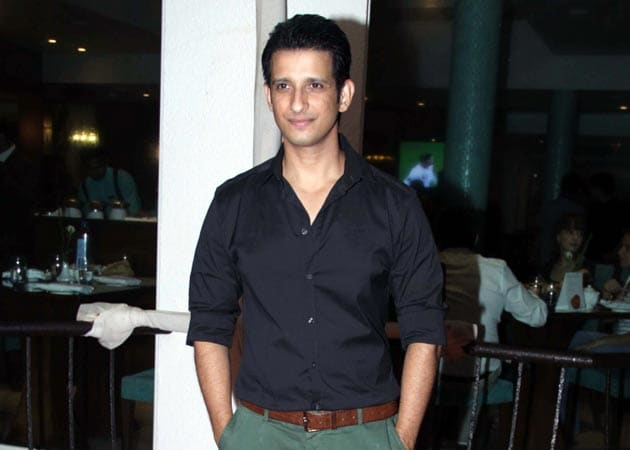 It's been a lonely journey, connections don't help, says Sharman Joshi