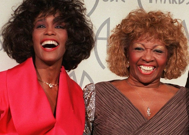 Whitney's mother to pay tribute to daughter at BET awards