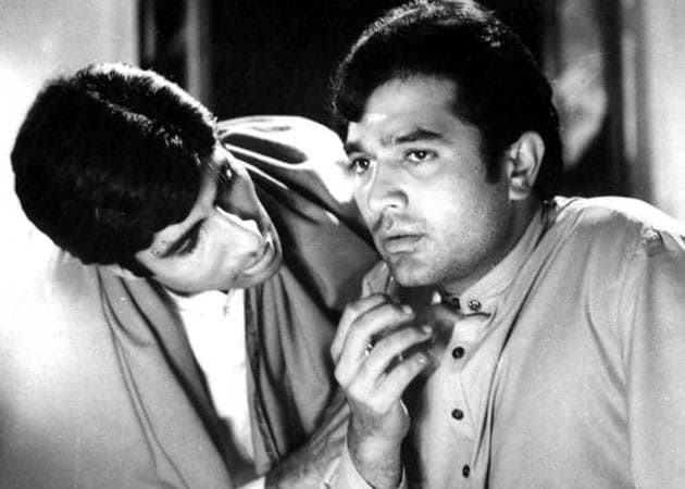 Amitabh Bachchan pays blog tribute to Rajesh Khanna: Read full text here