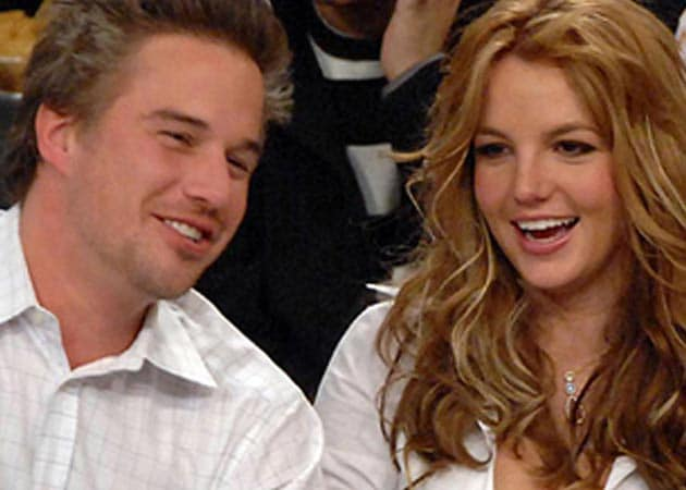 Britney Spears not sure if she wants a big, fat wedding