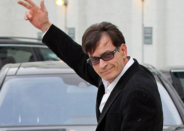 Charlie Sheen to take legal action over hotel trashing rumour