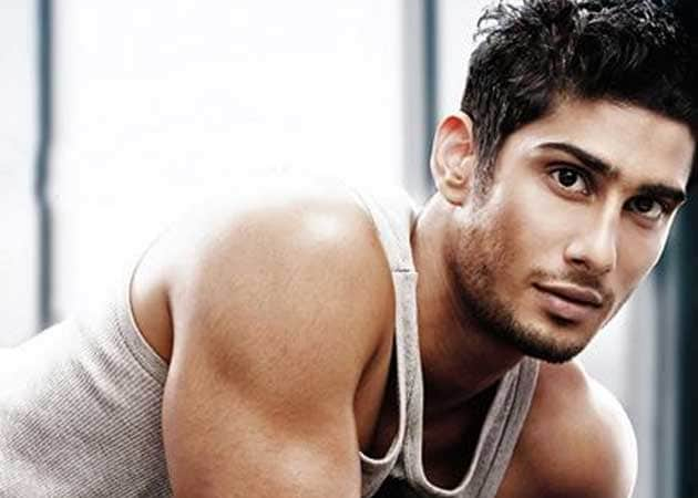 Exciting to play with guns, do stunts in <i>Issaq</i>: Prateik Babbar