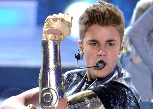 Justin Bieber aims to get a billion views on YouTube
