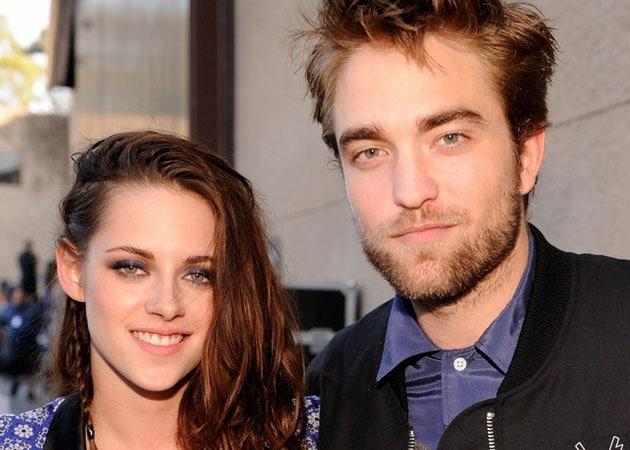 Kristen Stewart makes public apology to Robert Pattinson for cheating on him