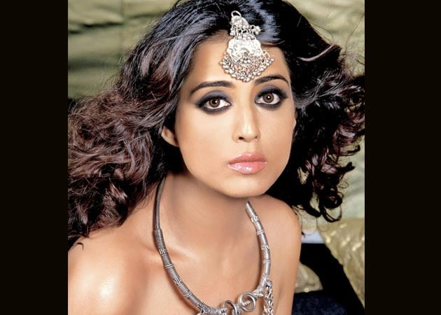 Mahie Gill is the new 'Mona Darling'