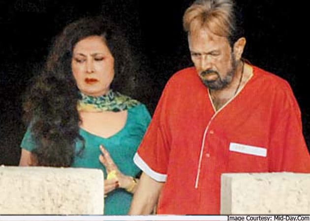 Rajesh Khanna's live-in partner sends legal notice over his home Aashirwad