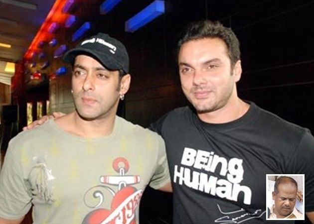 Salman and Sohail defend driver, blame the rain