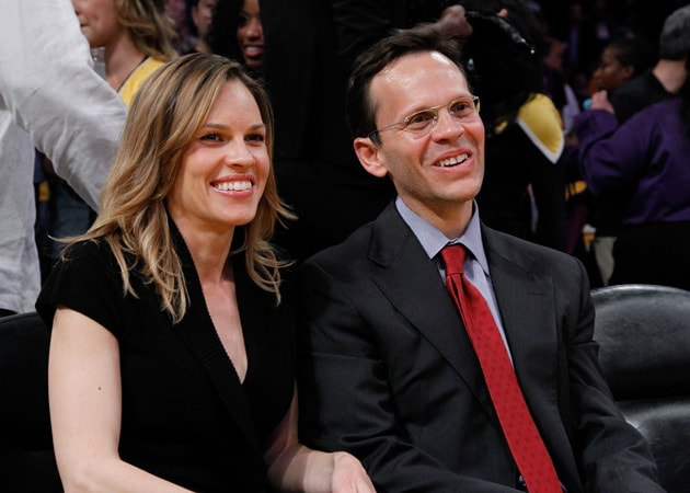 Hilary Swank has split from boyfriend John Campisi
