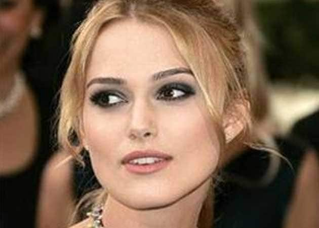"""Keira Knightley knows how to """"deal with"""" stage fright now"""