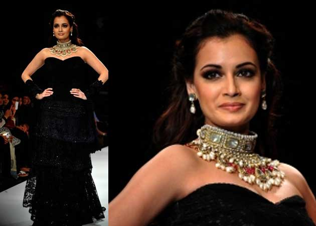 High fever didn't stop Dia Mirza from walking the ramp