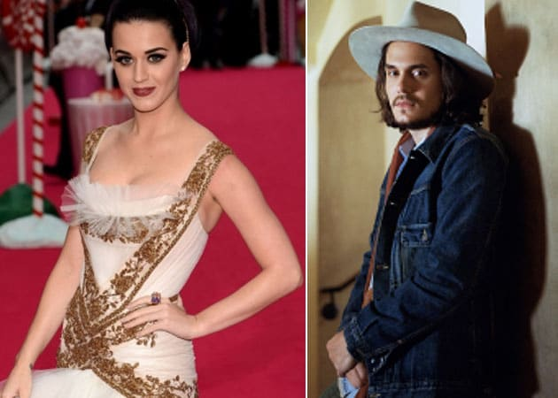 Katy Perry parties with John Mayer and wild animals