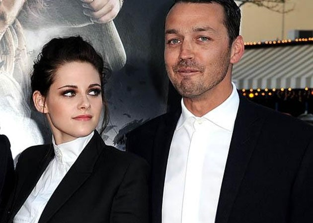 Rupert Sanders hasn't seen his wife since his fling with Kristen was revealed
