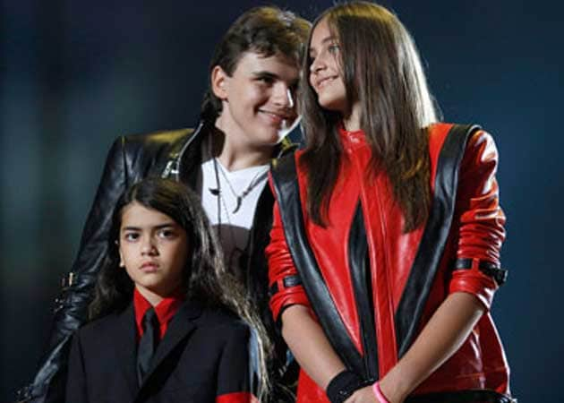 Michael Jackson's children visit his childhood home on birthday