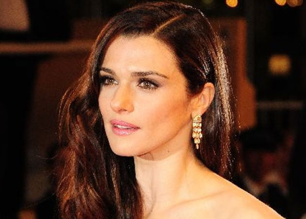 Rachel Weisz thinks actresses are sexier than actors