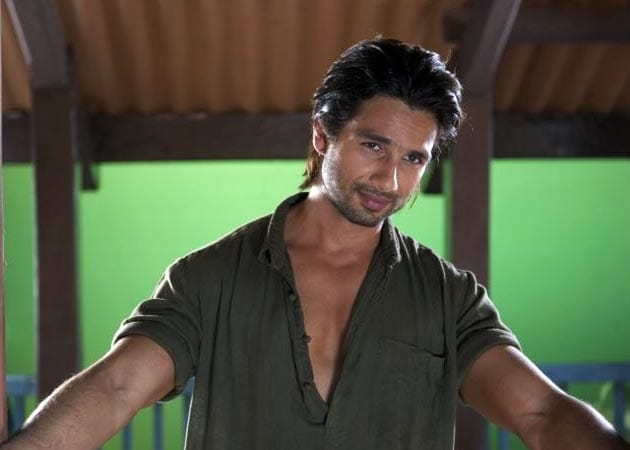 "Shahid Kapoor skips workouts to ""get in shape"""