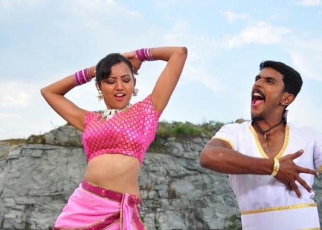 Review of Kannada movie <i>Naavika</i>