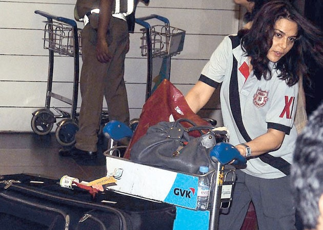 """Preity Zinta twists ankle in """"airport assault"""""""